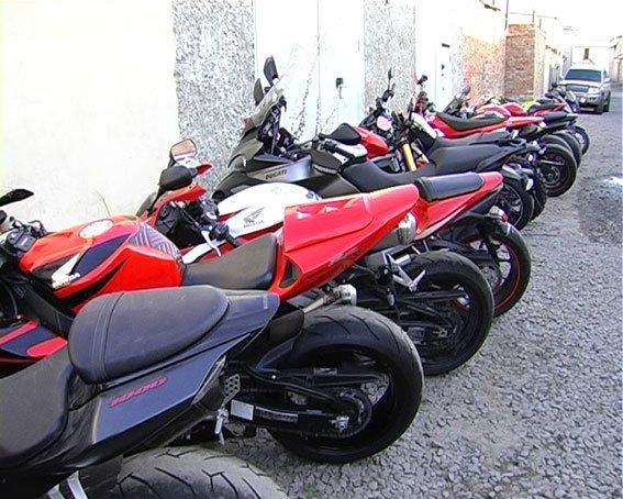В Сумах УБОП-вцы изъяли у авторитета 43 элитных мотоцикла (ФОТО), фото-4