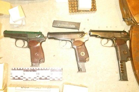 У ранее задержанного жителя Днепропетровска изъят значительный арсенал оружия и боеприпасов, фото-5
