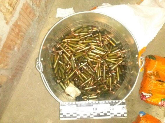 У ранее задержанного жителя Днепропетровска изъят значительный арсенал оружия и боеприпасов, фото-4