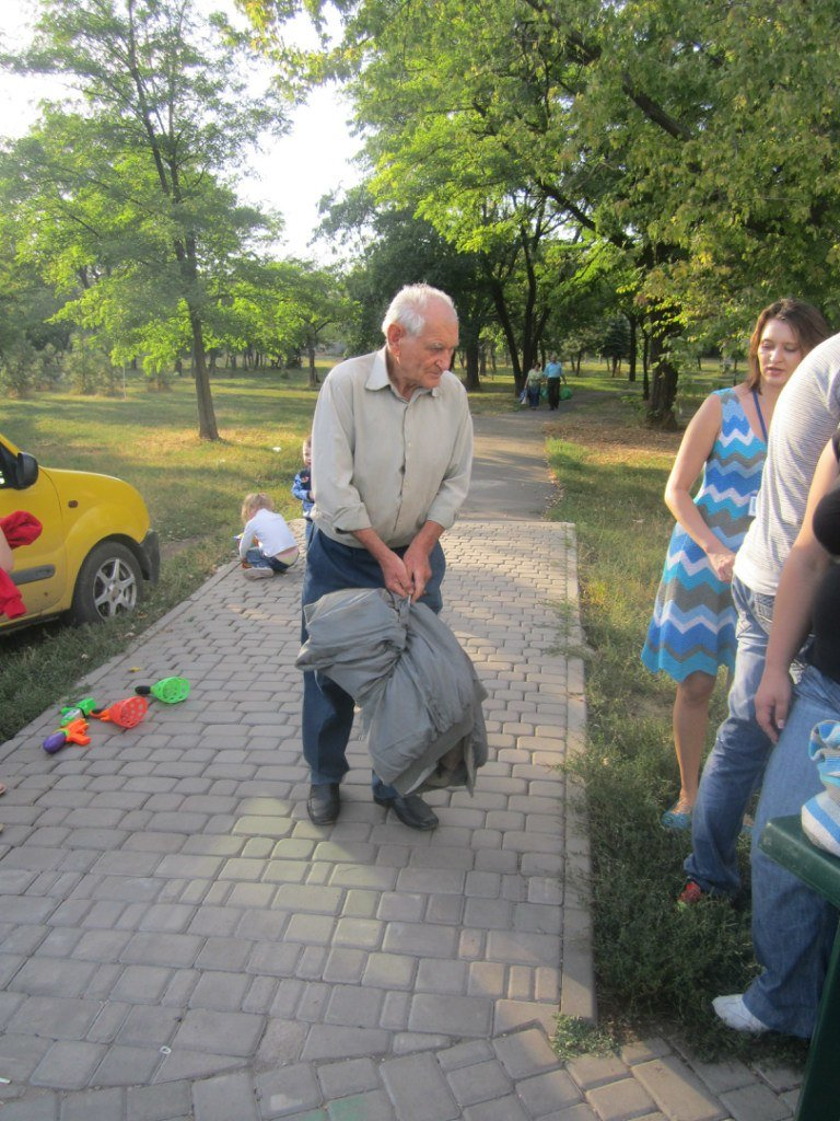 В Мариуполе беженцам помогали пенсионеры (ФОТО), фото-7