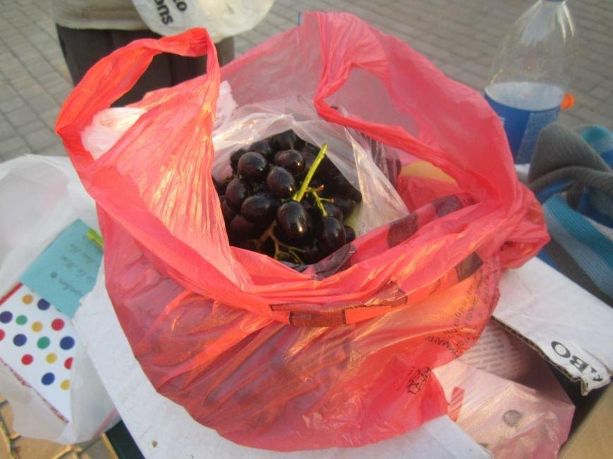 В Мариуполе беженцам помогали пенсионеры (ФОТО), фото-4