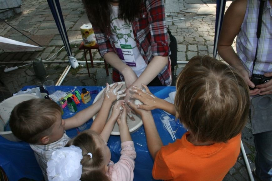 В Днепропетровске состоялся 9-й этнофестиваль «Петриковский дивоцвет» (ФОТОРЕПОРТАЖ), фото-47