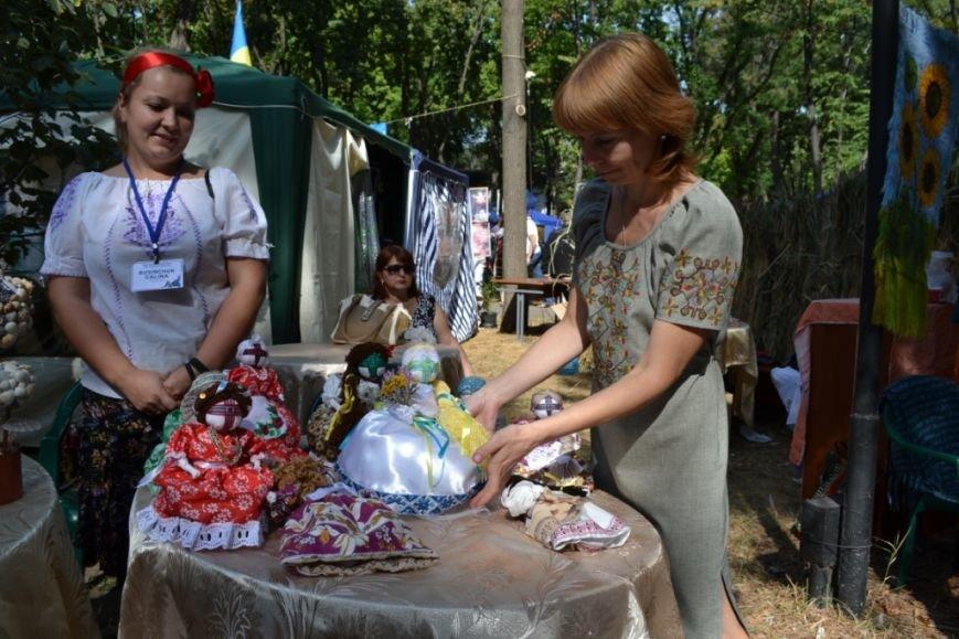 В Днепропетровске состоялся 9-й этнофестиваль «Петриковский дивоцвет» (ФОТОРЕПОРТАЖ), фото-35