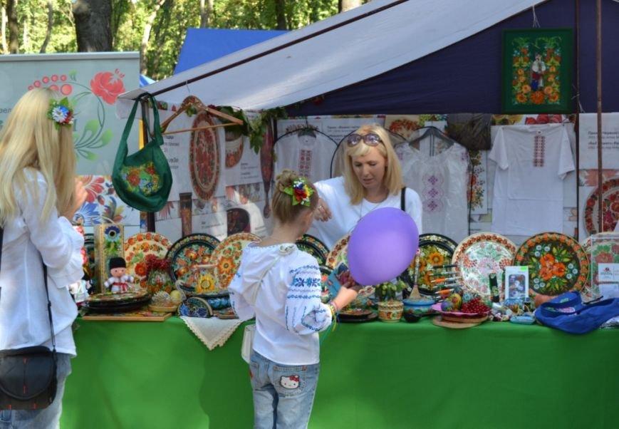 В Днепропетровске состоялся 9-й этнофестиваль «Петриковский дивоцвет» (ФОТОРЕПОРТАЖ), фото-27