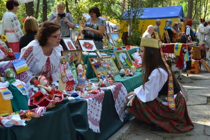 В Днепропетровске состоялся 9-й этнофестиваль «Петриковский дивоцвет» (ФОТОРЕПОРТАЖ), фото-40