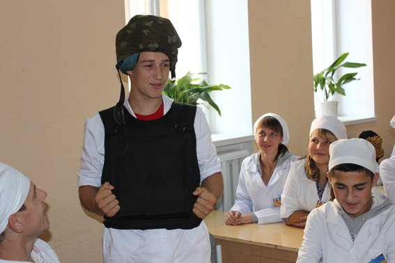 Рівненські експерти навчили майбутніх медиків «поводитись» із вибухівкою (Фото), фото-1