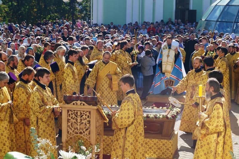 По Белгороду пронесли мощи Святителя Иоасафа, фото-3