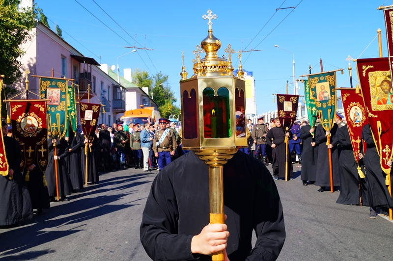 По Белгороду пронесли мощи Святителя Иоасафа, фото-1