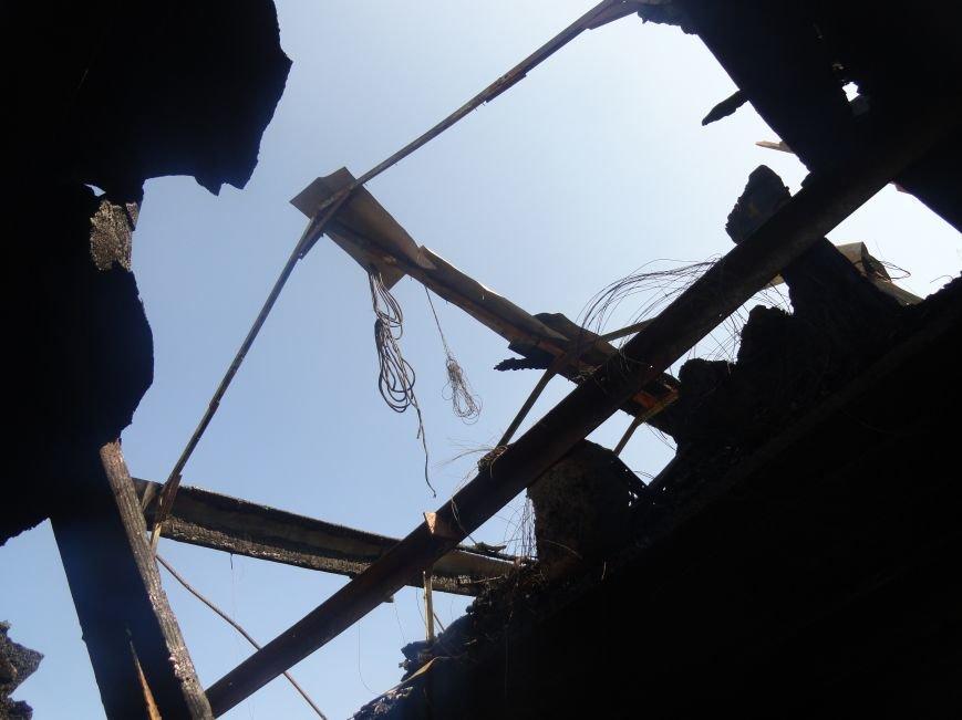 Пожар в Приморском районе мариупольцы связали с ночной стрельбой (ФОТО+ВИДЕО), фото-11
