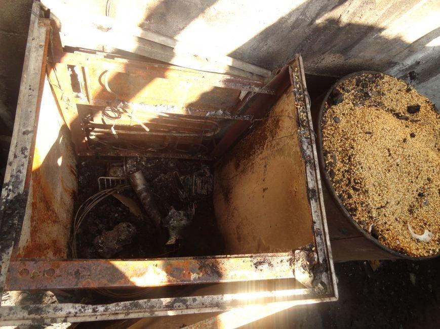 Пожар в Приморском районе мариупольцы связали с ночной стрельбой (ФОТО+ВИДЕО), фото-13