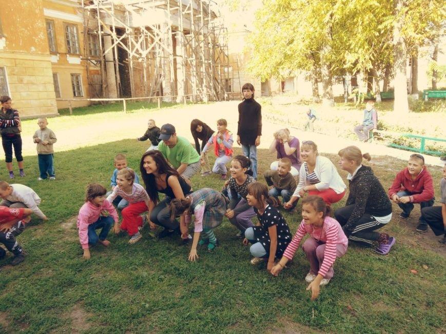 Рівненські волонтери відвідали Великомежиріцьку школу-інтернат (Фото), фото-4