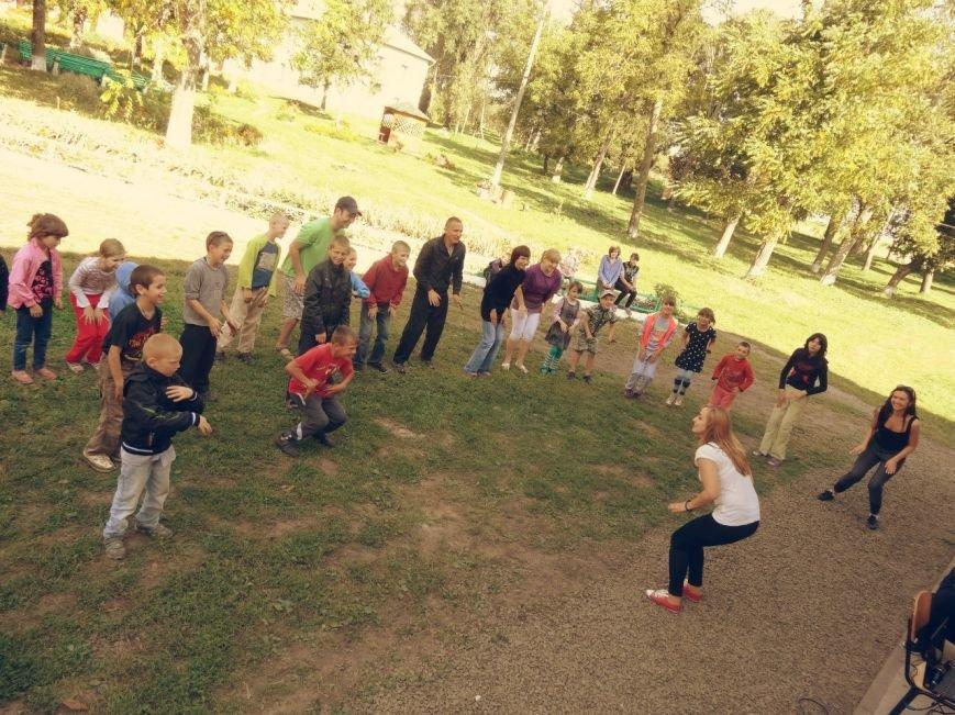 Рівненські волонтери відвідали Великомежиріцьку школу-інтернат (Фото), фото-2