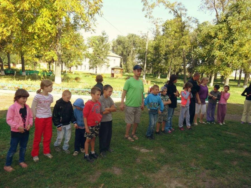 Рівненські волонтери відвідали Великомежиріцьку школу-інтернат (Фото), фото-1