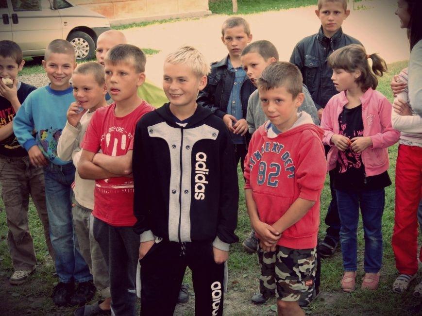 Рівненські волонтери відвідали Великомежиріцьку школу-інтернат (Фото), фото-8