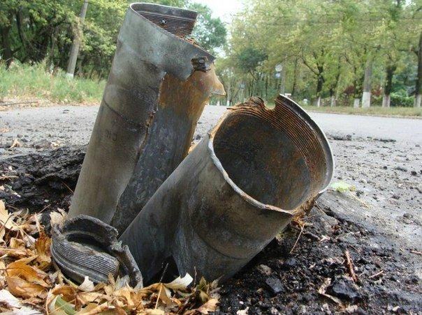 Один в один: В Горловке снаряд дважды угодил в одно и то же место, фото-2