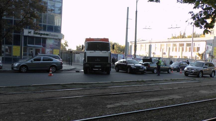 В Днепропетровске грузовик сбил пожилого пешехода (ФОТО), фото-2