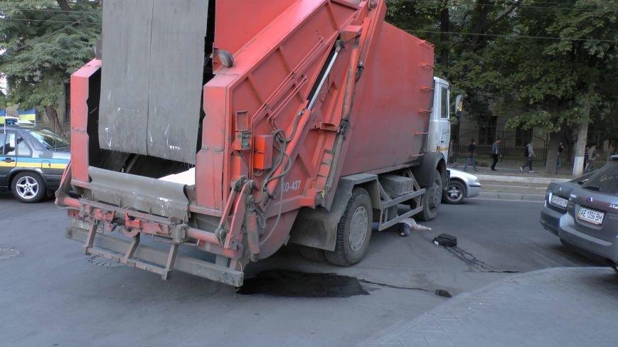 В Днепропетровске грузовик сбил пожилого пешехода (ФОТО), фото-4