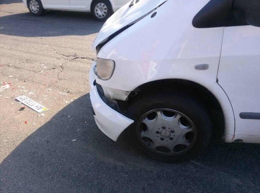 Еще одно ДТП в Днепропетровске: не разминулись два автомобиля (ФОТО), фото-4