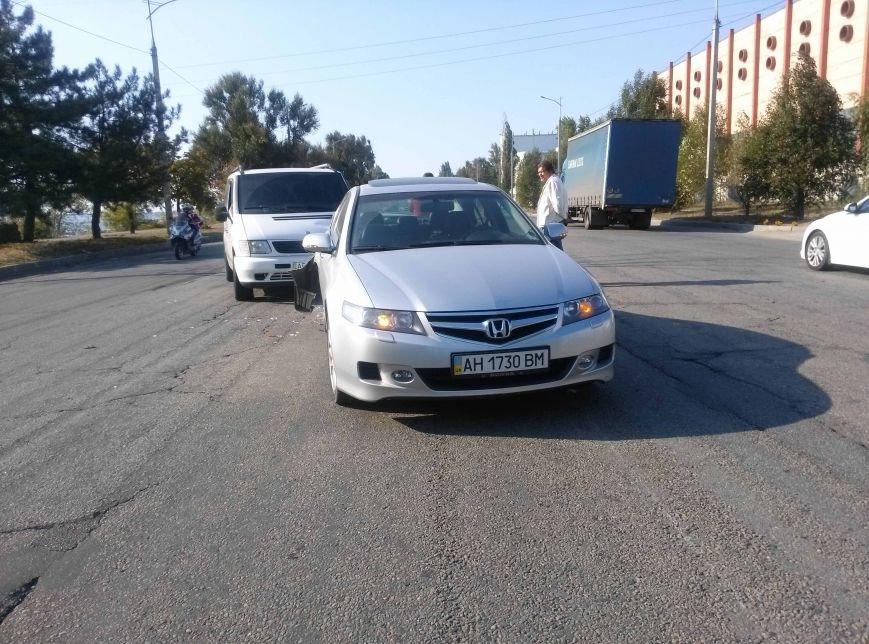 Еще одно ДТП в Днепропетровске: не разминулись два автомобиля (ФОТО), фото-2