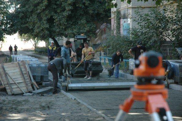 В Сумах занялись ремонтом жилых дворов (ФОТО), фото-1