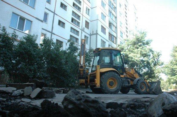 В Сумах занялись ремонтом жилых дворов (ФОТО), фото-3