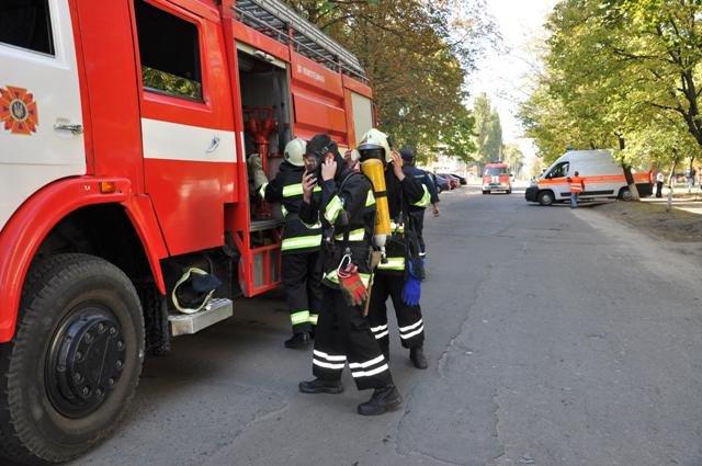 Экстренные службы в Сумах провели учения: эвакуировали людей после взрыва (ФОТО), фото-1