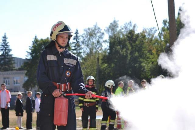 Экстренные службы в Сумах провели учения: эвакуировали людей после взрыва (ФОТО), фото-7