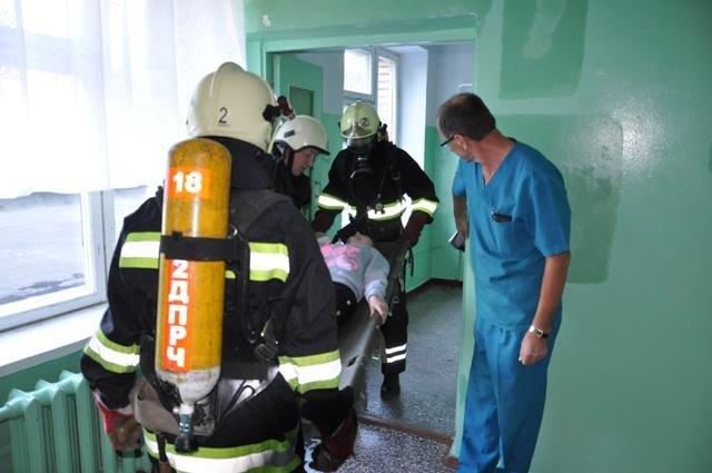 Экстренные службы в Сумах провели учения: эвакуировали людей после взрыва (ФОТО), фото-3