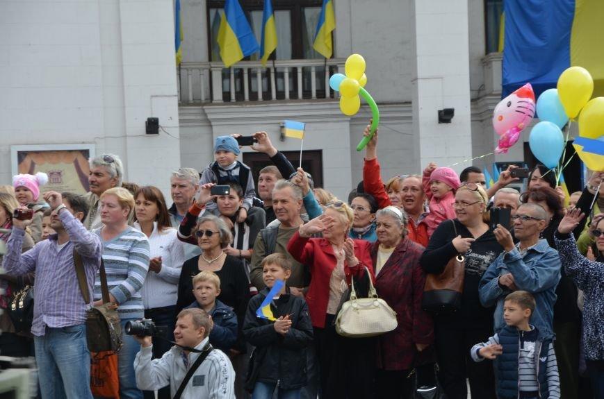 В Мариуполе прошел мини-парад военной техники (ФОТОРЕПОРТАЖ+ВИДЕО), фото-12