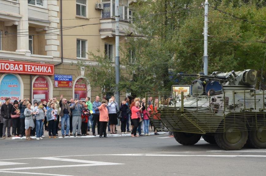 В Мариуполе прошел мини-парад военной техники (ФОТОРЕПОРТАЖ+ВИДЕО), фото-4