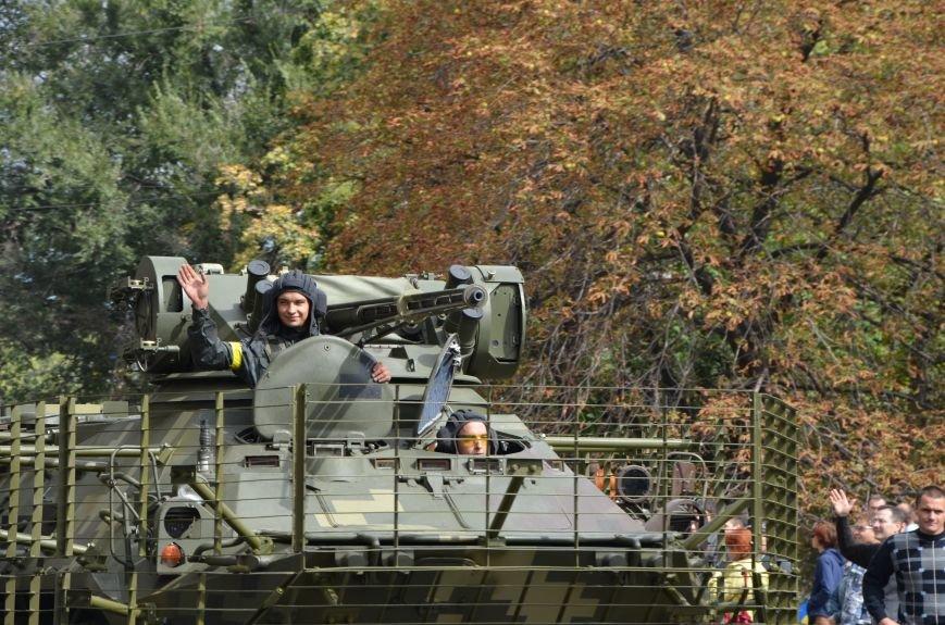 В Мариуполе прошел мини-парад военной техники (ФОТОРЕПОРТАЖ+ВИДЕО), фото-13
