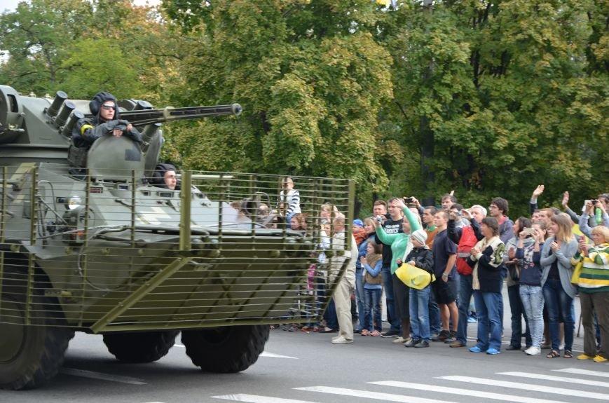 В Мариуполе прошел мини-парад военной техники (ФОТОРЕПОРТАЖ+ВИДЕО), фото-10