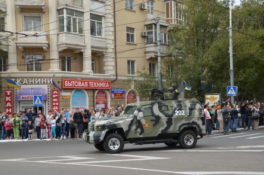В Мариуполе прошел мини-парад военной техники (ФОТОРЕПОРТАЖ+ВИДЕО), фото-2