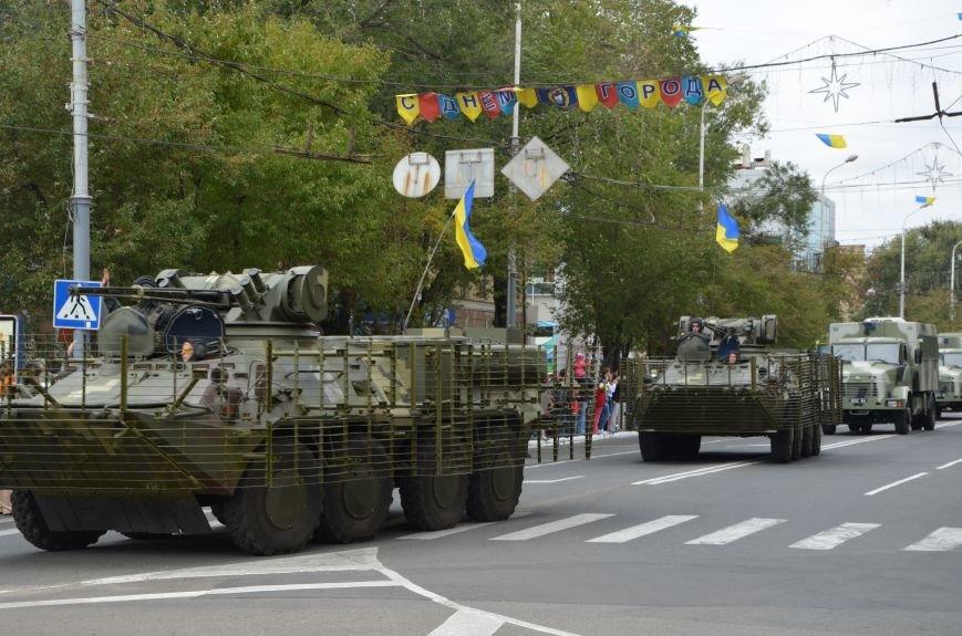 В Мариуполе прошел мини-парад военной техники (ФОТОРЕПОРТАЖ+ВИДЕО), фото-3