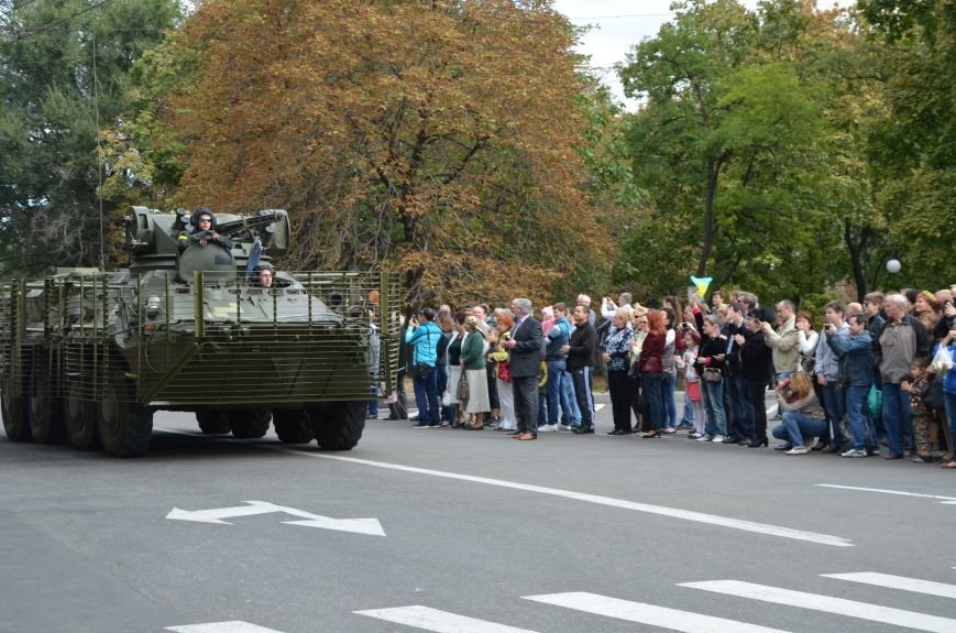 В Мариуполе прошел мини-парад военной техники (ФОТОРЕПОРТАЖ+ВИДЕО), фото-9