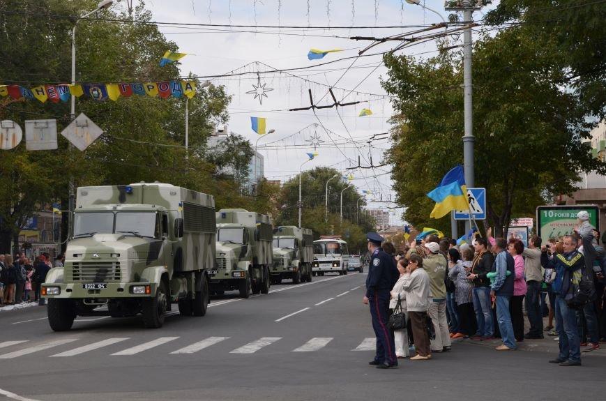 В Мариуполе прошел мини-парад военной техники (ФОТОРЕПОРТАЖ+ВИДЕО), фото-8