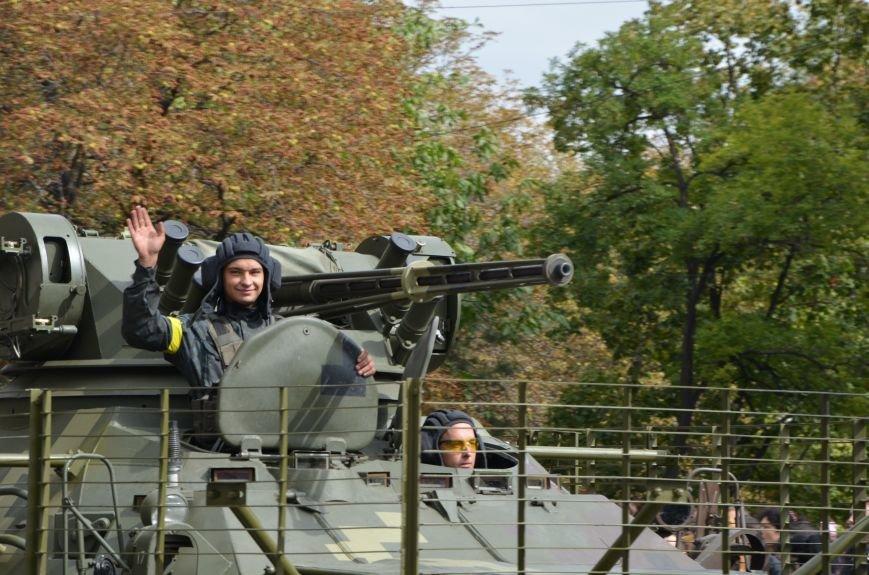 В Мариуполе прошел мини-парад военной техники (ФОТОРЕПОРТАЖ+ВИДЕО), фото-15