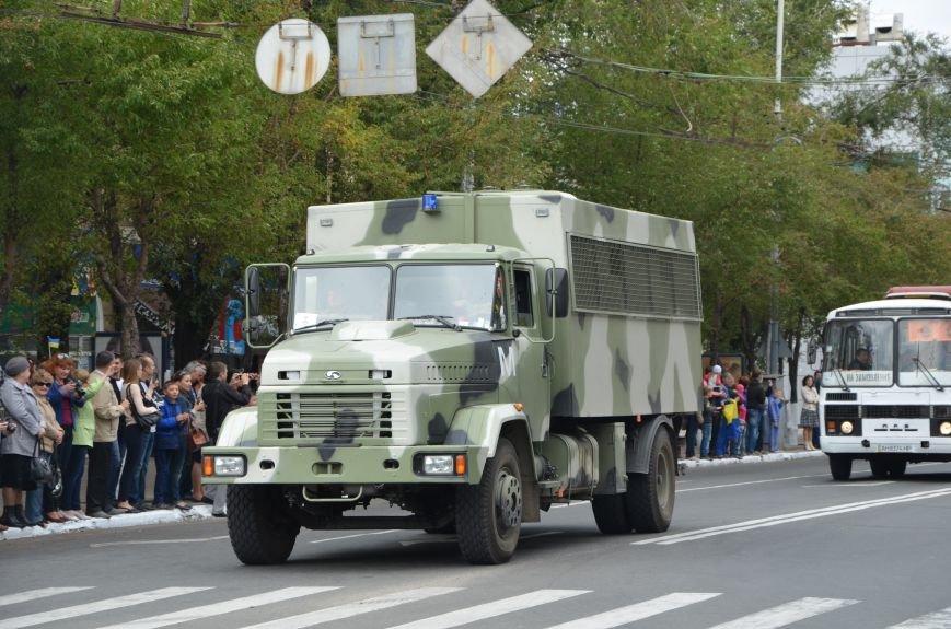 В Мариуполе прошел мини-парад военной техники (ФОТОРЕПОРТАЖ+ВИДЕО), фото-6