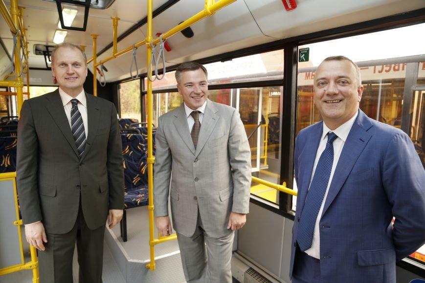 Метинвест подарил Мариуполю восемь пассажирских автобусов, фото-8