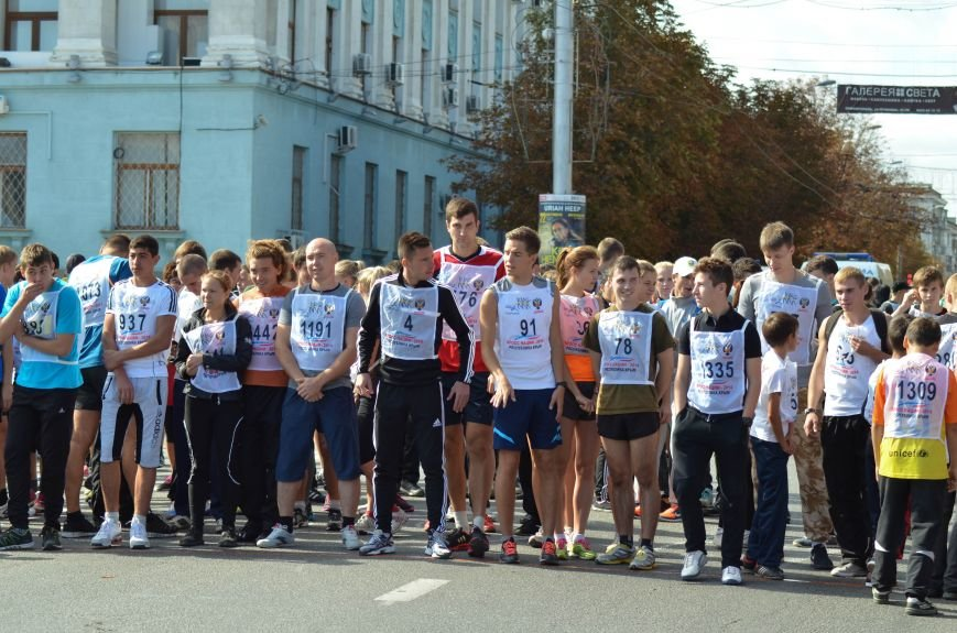 ФОТОРЕПОРТАЖ: В Симферополе более 2 тысяч бегунов поучаствовали в «Кроссе наций», фото-5