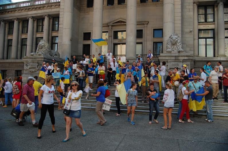 Мариупольцы участвовали  в канадском Марше мира, прошедшем в Ванкувере (ФОТОРЕПОРТАЖ), фото-1