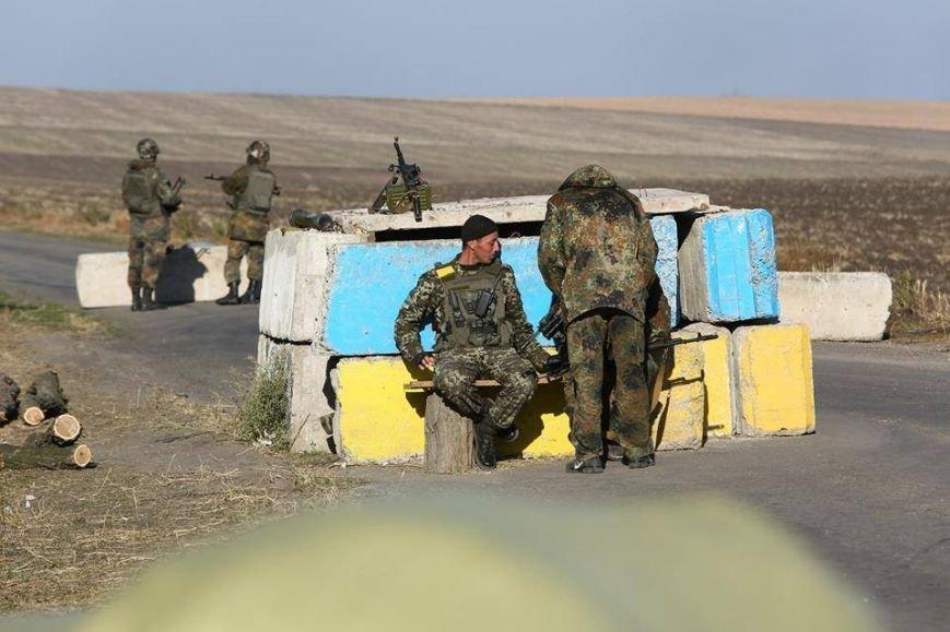 Под Мариуполем несут службу украинские военные (ФОТОРЕПОРТАЖ), фото-25