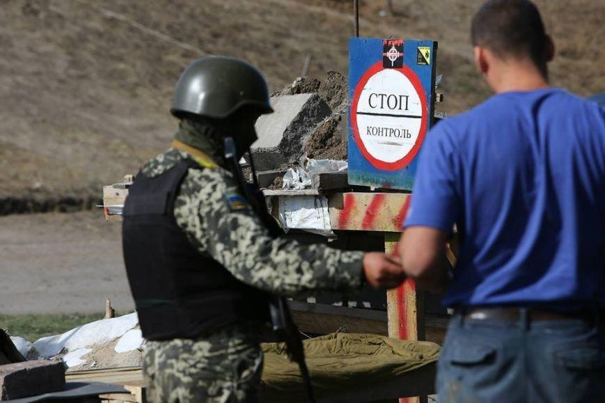 Под Мариуполем несут службу украинские военные (ФОТОРЕПОРТАЖ), фото-24