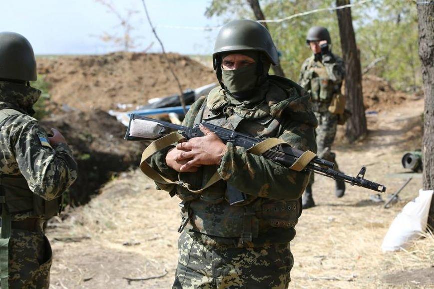Под Мариуполем несут службу украинские военные (ФОТОРЕПОРТАЖ), фото-1