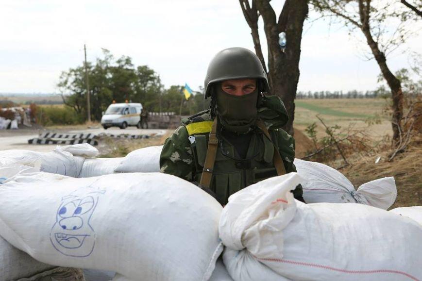 Под Мариуполем несут службу украинские военные (ФОТОРЕПОРТАЖ), фото-16