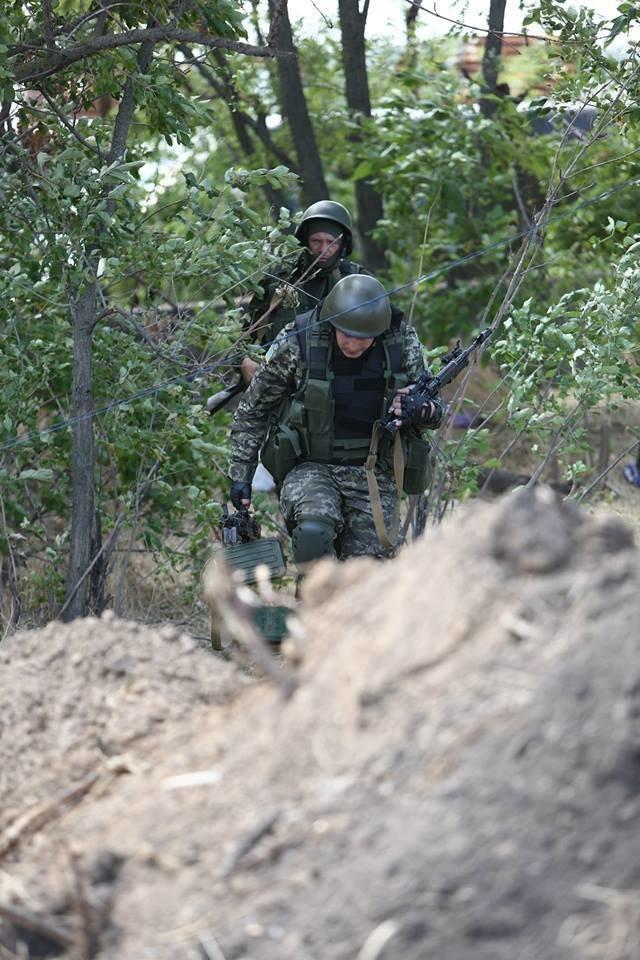 Под Мариуполем несут службу украинские военные (ФОТОРЕПОРТАЖ), фото-3