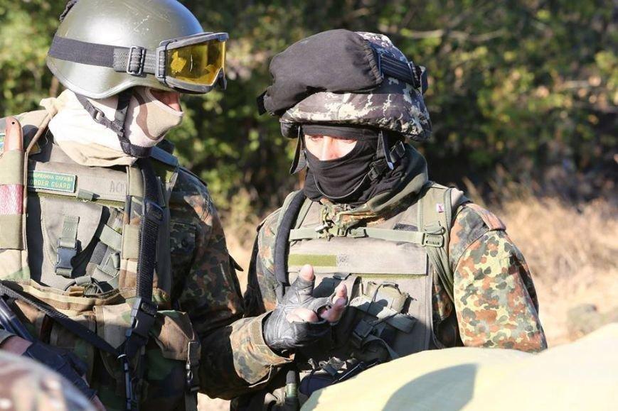 Под Мариуполем несут службу украинские военные (ФОТОРЕПОРТАЖ), фото-13