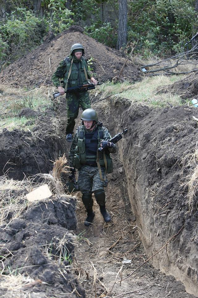 Под Мариуполем несут службу украинские военные (ФОТОРЕПОРТАЖ), фото-12