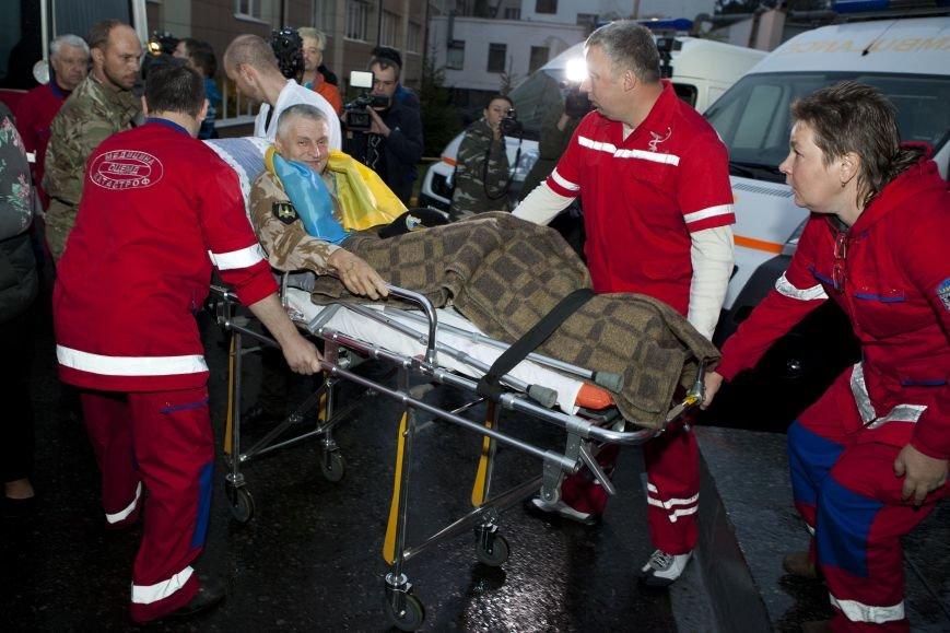 10 украинских военнослужащих направлены из Днепропетровска в Эстонию на лечение, фото-3