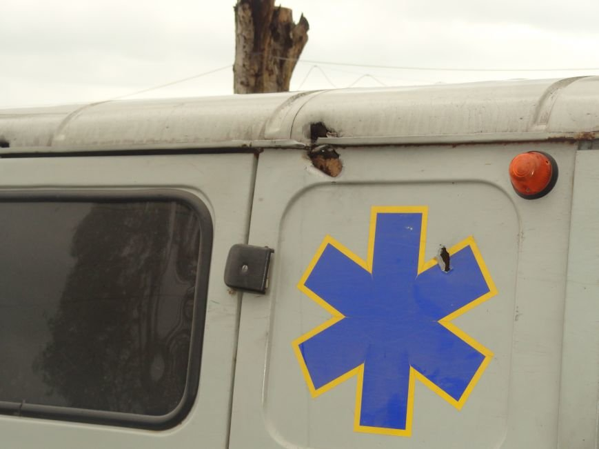 Волонтеры Мариуполя увидели последствия вчерашнего обстрела блокпоста на Восточном (ФОТОРЕПОРТАЖ), фото-14